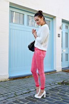 Pink skinnies and Barbie shoes