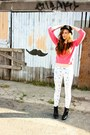 Black-target-boots-white-forever-21-pants