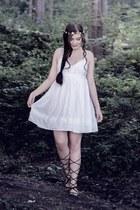 white Topshop dress - black Mango sandals - white Claires hair accessory