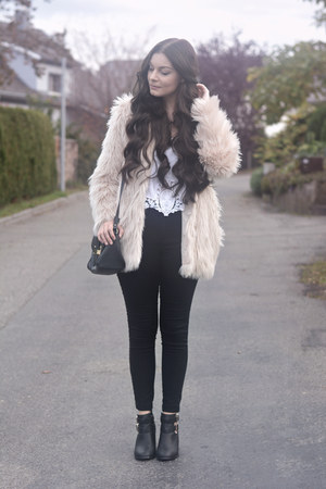 black K by Kookai boots - black H&M jeans - neutral H&M jacket - black Aldo bag