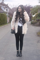 neutral H&M jacket - black K by Kookai boots - black H&M jeans - black Aldo bag