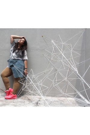 heather gray new look t-shirt - pink air max nike shoes