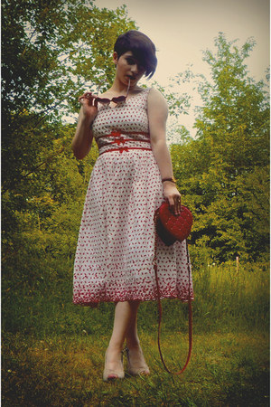 red Primark bag - white Bettie Page Clothing dress