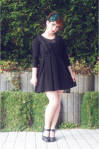 black H&M dress - teal Accessorize accessories