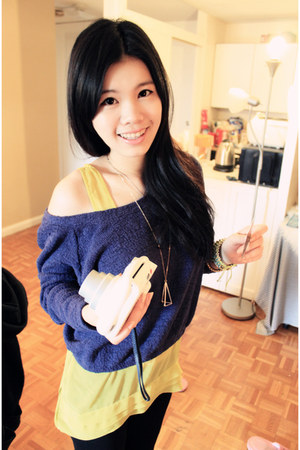 navy Zara sweater