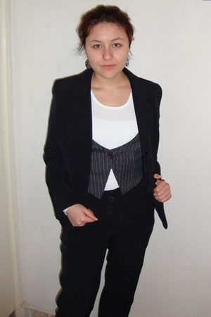 white Old Navy shirt - gray random brand vest - black augusto suit - gray She pe