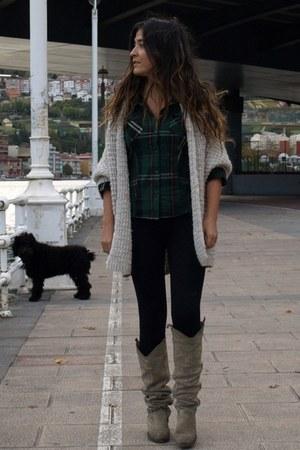 Bershka boots - Zara sweater