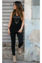 Calzedonia leggings - Forever 21 t-shirt