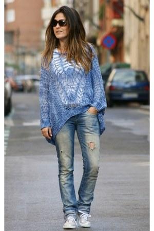 Zara jeans - Gili Gili sweater - vICTORIA sneakers