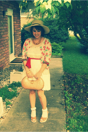 camel wedges thrifted unknown shoes - ivory dotted Darling dress - camel straw h