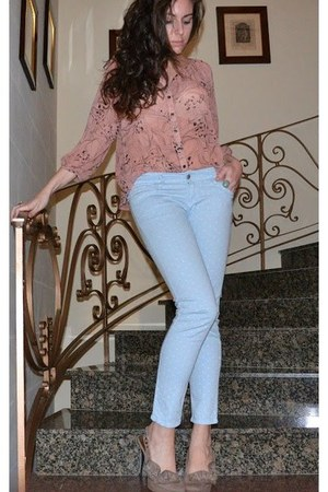 patterned sheer H&M blouse - Stradivarius jeans - nude flower new look heels