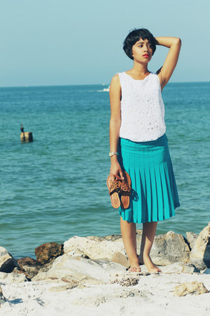 BCBGMAXAZRIA skirt - Zara shirt - tory burch sandals
