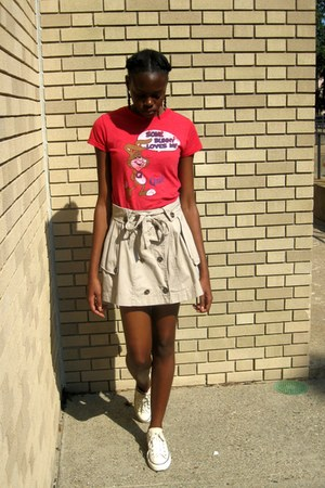 dark khaki trench Forever 21 skirt - red graphic unknown brand t-shirt