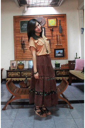 unbranded shirt - shooz wedges - chic simple skirt - Accessarie necklace - Acces