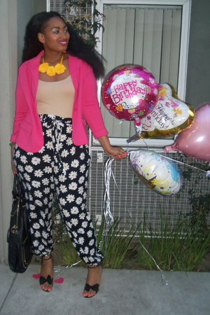 yellow handmade flower SheMadeUlook necklace - hot pink knit Gap blazer