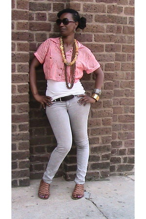 skinny jeans wwwurbanoutfitterscom jeans - loose wwwforever21com shirt - wwwrefl