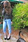 Blue-vintage-levi-jeans-black-forever-21-jacket-black-target-shirt-black-a