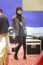 black casio accessories - black t-shirt - black top - black scarf - black shoes