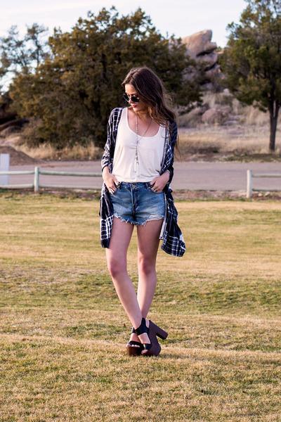 sky blue Charlotte Russe shorts - black t-shirt & jeans bag