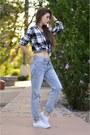 Light-blue-boyfriend-garage-jeans-black-flannel-garage-shirt