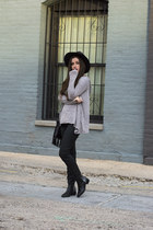 black t-shirt & jeans purse - black Grey City boots