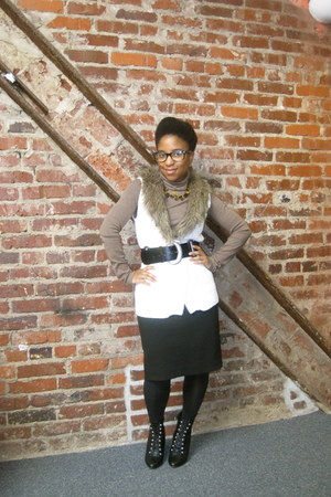 faux lace-up go jane boots - turtleneck Old Navy shirt - Loft skirt - faux fur O