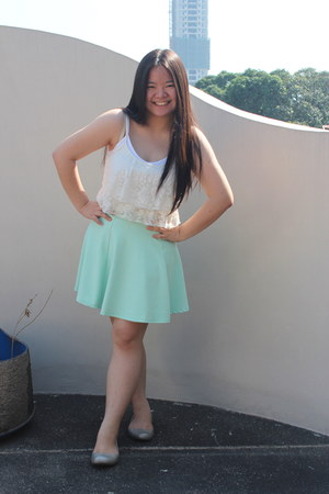 aquamarine skater skirt - off white lace Forever 21 blouse