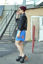 turquoise blue skort vintage skirt - crimson beanie oxblood H&M hat