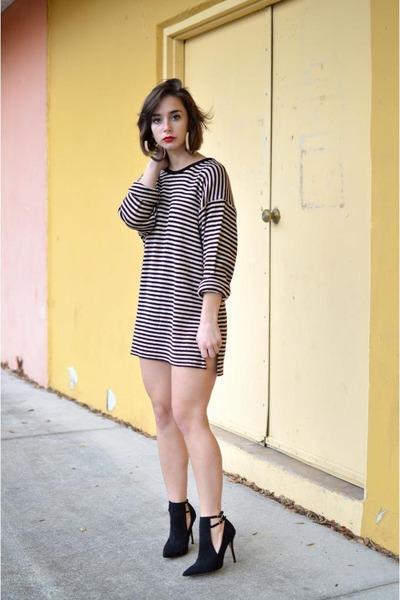 Online dresses shop