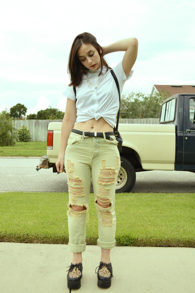 boyfriend jeans UNIF jeans - white button up thrifted blouse