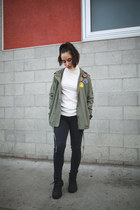 olive green army utility LF jacket - black booties Timberland boots