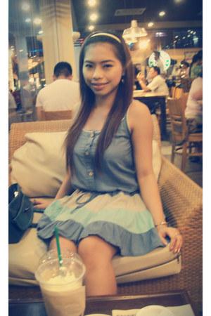 blue Hong Kong dress