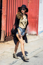 animal print Que Guapa boots - leather Xti Shoes bag - denim Choies shorts
