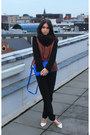 Blue-zara-bag-brick-red-h-m-jacket-black-zara-pants-white-zara-heels