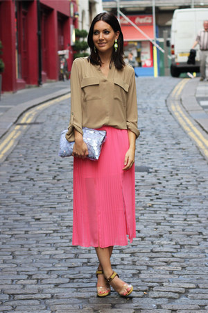 hot pink pleated Topshop skirt - periwinkle Zara bag - camel M&amp;S blouse