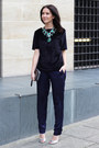 Silver-kurt-geiger-bag-forest-green-zara-necklace-navy-h-m-trend-pants