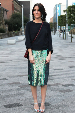green sequin H&amp;M Trend skirt - crimson trio Celine bag - H&amp;M earrings