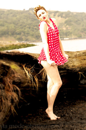 polka-dots red vintage swimwear