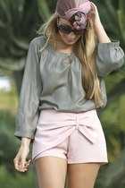 Queens Wardrobe shorts - H&M scarf - OPTICA HERRERA CERPA sunglasses