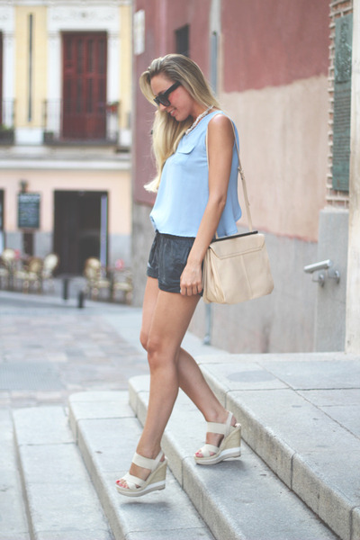 Zara bag - SuitBlanco shorts - romwe top - Pilar Burgos wedges