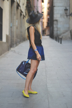 romwe skirt - Messcalino bag - Celop Punto top - Bimba&amp;Lola flats