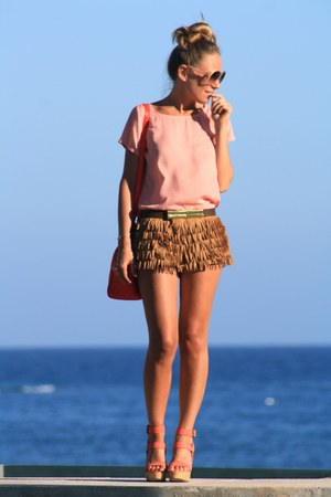 Zara shorts - pull&bear blouse - Parfois sandals