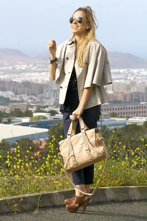 Zara bag - Purificacion Garcia cape - Uterqe clogs