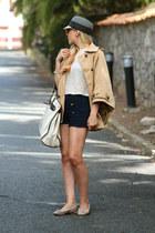 Coosy cape - Parfois hat - Zara bag - Anniel flats