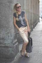 H&M pants - Messcalino bag - Primark t-shirt - Pilar Burgos flats - Ata bracelet