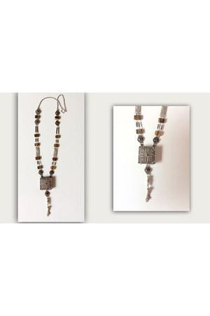 silver Sibarú necklace