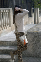 tan Gloriaca bag - camel Pull and Bear boots - beige Sfera sweater