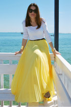 yellow pleated Zara skirt - tan Zara bag - black dior sunglasses