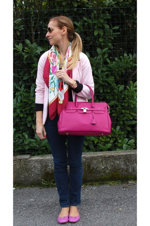 Guess jeans - Zara Kids blazer - Gucci scarf - ray-ban sunglasses - JCrew flats