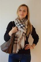 Gant sweater - Levis leggings - Burberry scarf - Louis Vuitton bag